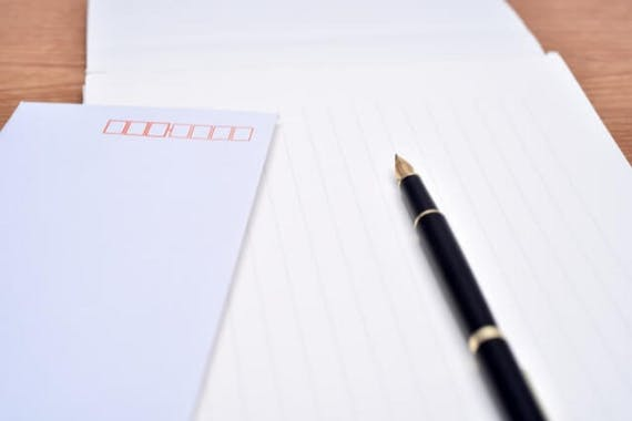 【例文紹介】忌明けの挨拶状の書き方は?出すタイミングや送り方も解説