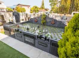 「浄円寺墓苑」樹木葬・永代供養付墓所 側面