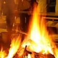 お焚き上げの料金相場を位牌・仏壇・遺影等対象物ごとに解説