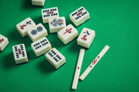 無料で遊べる麻雀ゲーム29選!シニアの脳トレにもおすすめ!