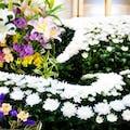 弔花の種類は枕花・供花・花輪・献花!札名の書き方や注文方法も