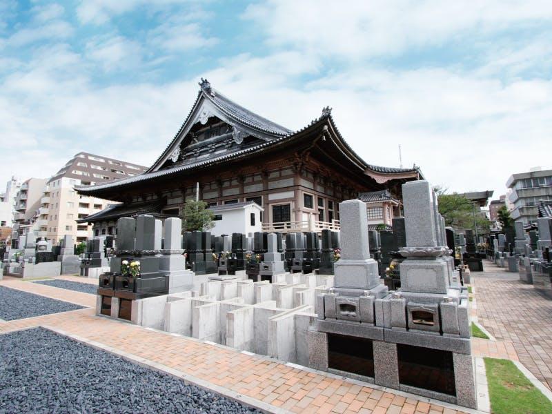東本願寺に納骨する際の服装のマナー7つ|注意点4つ