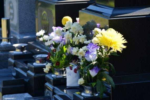 お墓参りのお花 選び方