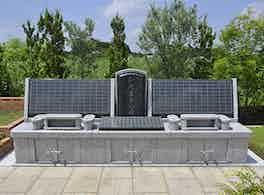 メモリアルガーデン桶川霊園 ひだまりの碑