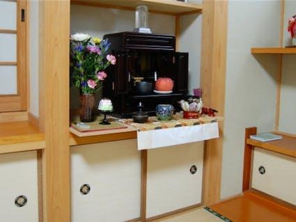 仏壇の掃除の頻度・時期・手順!必要な道具や注意点、請負業者も紹介