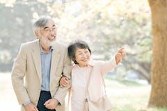人生100年時代をどう生きる?政府の取り組みや老後に与える影響は?