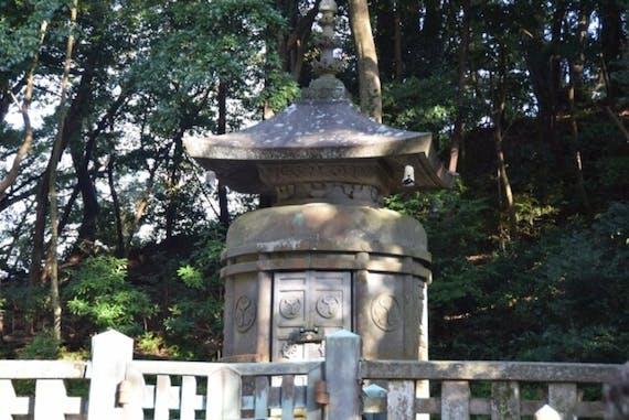 御影石の意味とは?特徴や種類、墓石に使われる御影石の価格相場も