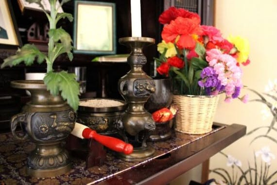 仏壇における開眼供養とは?準備や流れ、お布施の金額相場を解説!