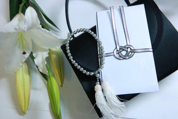 数珠と不祝儀