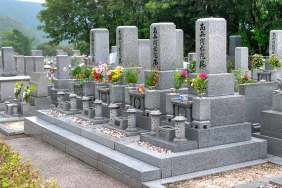 墓所とは?定義・墓地との違いを解説!墓所の種類や選び方も