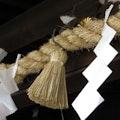 しめ縄につける紙垂とは?形の意味・紙の種類・作り方も解説!